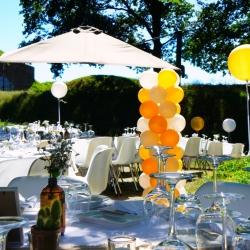 bruiloft feest styling tuin